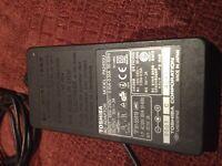 Toshiba PA2438U AC Power Supply Adapter Charger