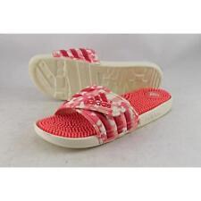 Sandali e scarpe adidas per il mare da donna prodotta in Vietnam