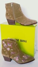 Gianni Bini RAMSIE Bayside Taupe Suede Embroidered Ankle Boots NEW WITH BOX Sz 8