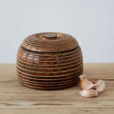 Assiettes et bols en bois pour la décoration intérieure de la maison