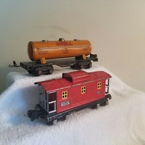 Lionel Set of 2 Pre War Cars<++++>2657 Caboose<++++>1680 Shell Tank<++++>
