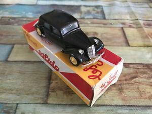 Voiture Miniature Solido Citroen Traction 15 CV 1939 au 1/43