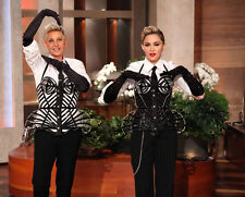 Ellen DeGeneres and Madonna UNSIGNED photo - H789 - Vogue!!!!!
