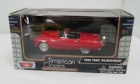 Motor Max American Classics 1956 Ford Thunderbird, 1:43 Scale