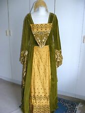 Period and Theatre Size M Costumes