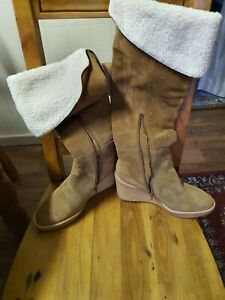 Country Road Ugg Boots Size 9