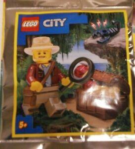 LEGO CITY: Explorer With Treasure Minifigure  952110. Age 5+.