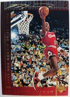 1994 94 Upper Deck Basketball Heroes Michael Jordan #37, Gold Signature, Sharp!