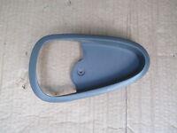 1999 - 2005  PONTIAC GRAND AM RIGHT REAR DRIVER SIDE DOOR HANDLE TRIM GREY OEM