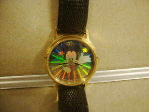 Used Mickey Mouse Wrist Watch Hologram Dial Face Japan Mvmt New Battery Runs!