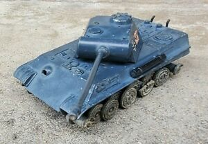 VINTAGE 1973 SOLIDO GERMAN PANTHER G TANK - WORLD WAR II