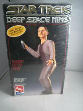 Star Trek Amt Deep Space Nine Officer Odo Highly Detailed Vinyl Model Kit