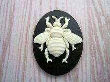 40x30mm Bee Cameo (1) - L657B  Jewelry Finding
