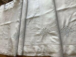 Grand drap ancien avec monogramme brodé main, en lin, état neuf. 225 cm3030MY30