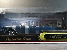 Road Signature 1961 Lincoln X-100 President Kennedy Limousine 1:24 Diecast Car
