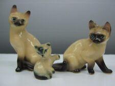 ( 3 ) Vintage Ceramic Siamese Cat Figurines Japan 1102 Mom Dad & Baby