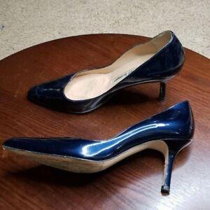 Manolo Blahnik Pumps Womens sz 37.5 Blue Patent Leather