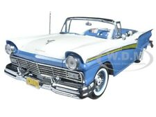 BoxDamage 1957 FORD FAIRLANE 500 SKYLINER DRESDEN BLUE 1/18 SUNSTAR 1338