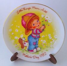 Vintage Mother's Day 1982 Plate-Young Boy & His Dog w/Flowers For Mom-Avon