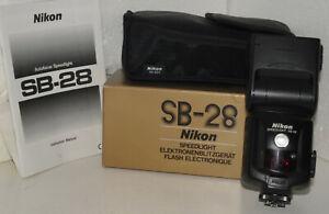 Nikon SB-28 auto focus Speedlight w/ SS-800 soft case, instructions, box