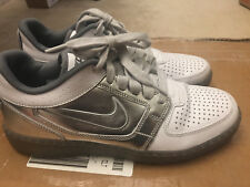 NIKE TRAINER MENS SIZE 9.5 CLEAN SWEEP SUPER BOWL TROPHY SHOES 586064-100