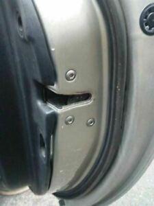 2002-06 Lexus SC430  RIGHT door latch & power lock assembly