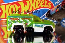 2014 Hot Wheels TREASURE HUNTS RESCUE DUTY Green Loose