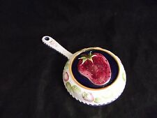 Gailstyn Sutton Towle Strawberry Ceramic Mold Wall Decor Pan