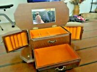 WOODEN JEWELRY BOX 1 DRAWER AND LIFT TOP AND TWO SIDE PULL-OUTS - FELT - 5X12X5