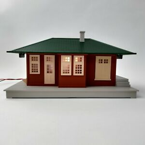 Lionel #132 Passenger Station With Lights And Sounds O Scale