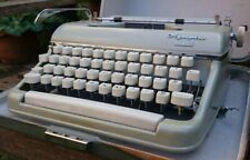 LOVELY VINTAGE 1950s WEST GERMAN  OLYMPIA SM MONICA  PORTABLE TYPEWRITER