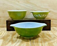 3 Vintage Pyrex Spring Blossom Green CRAZY DAISY  Mixing Bowls