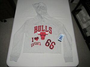 CHICAGO BULLS WOMEN'S NBA UNK GRAY I LOVE CHICAGO HOODED SWEATSHIRT SIZE M NWT