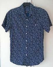 2dbb2054fe4 Topman Short Sleeved Shirt - Dark Blue With White Floral Pattern - Size