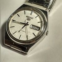 VINTAGE WATCH SEIKO 5 IN VERY GOOD CONDITION STEEL CASED WATCH RUNS PERFECTLY