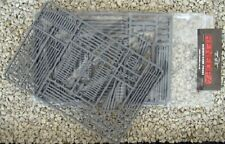 Renedra Ltd - RN8 Mixed Fences Grey 2 Pack Plastic Kit 28mm Scale 1stPost