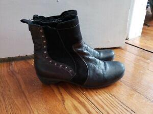 Dromedaris Leather Boots Women's Size 38 / 7.5 Black Suede metal studs circles