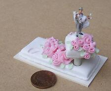 1:12 Scale 2 Piece Wedding Cake + Bride & Groom Tumdee Dolls House Accessory P