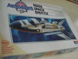 ** MONOGRAM ** NASA SPACE SHUTTLE ** 1:72 SCALE ** PLASTIC MODEL KIT **