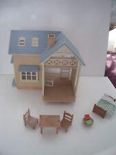 SYLVANIAN FAMILIES RIVERSIDE LODGE HOUSE, FURNITURE, ACCESSORIES - BUNDLE - LOTS