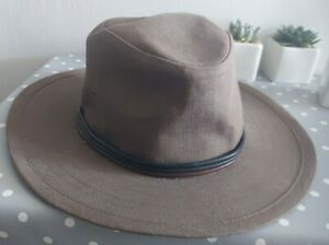Marks and Spencer men's size 7-7.5 brown fedora cotton with trim