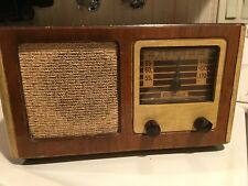vintage radio Gilfillan  wood model 56 A
