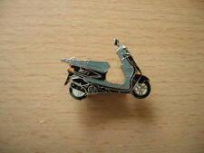 Pin Pin Yamaha Zest black Scooter Motorcycle 0393