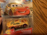 NIP Disney Pixar Cars - Color Changers - Lightning McQueen Yellow To Red