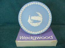 Wedgwood Jasperware 1979 Christmas Plate Buckingham Palace with Box
