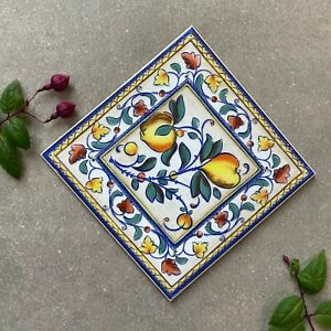 Traditional decorative 20 x 20 gloss tile