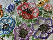 GORGEOUS VINTAGE LINEN HAND EMBROIDERED TABLECLOTH~BEAUTIFUL FLORAL BOWLS