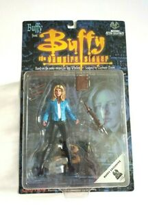 Buffy the Vampire Slayer Moore Action Collectibles Buffy Exclusive Blue Jacket