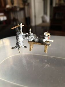 Austrian Vienna Bronze Cold Painted CATS Fighting - Beating Eachother! Wow!