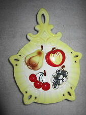VINTAGE LEFTON'S WALL HANGING VASE YELLOW WITH PEAR,APPLE,CHERRIES,GRAPES